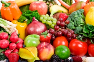 antioxidants combat free radical damage